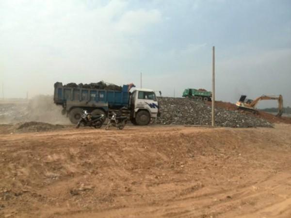Bãi chôn lấp rác số 3 ở Phước Hiệp, Củ Chi sắp hoàn thành toàn bộ được UBND TP HCM yêu cầu ngưng tiếp nhận rác từ đầu năm 2015. Ảnh: HP