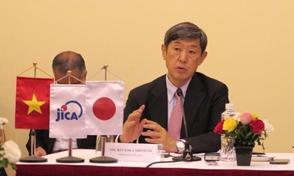 Chủ tịch JICA - ông Shinichi Kitaoka trong buổi họp báo. Ảnh: JICA