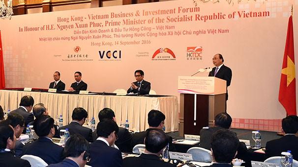 Thủ tướng Nguyễn Xuân Phúc mong muốn Hong Kong sẽ là thị trường thuận lợi để huy động các khoản tín dụng cho đầu tư kết cấu hạ tầng của Việt Nam. Ảnh: Nguyễn Thủy
