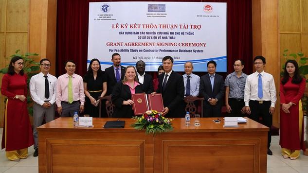 USTDA tài trợ hơn 446.000 USD để lập Báo cáo nghiên cứu khả thi Xây dựng hệ thống cơ sở dữ liệu về nhà thầu tại Việt Nam. Ảnh: Lê Tiên