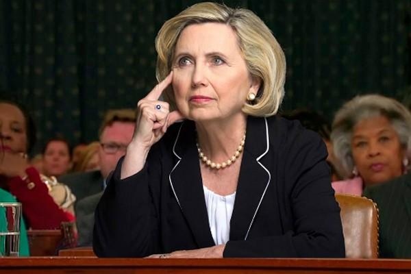 Teresa Barnwell, người chuyên đóng giả bà Hillary Clinton. Ảnh: Newsweek