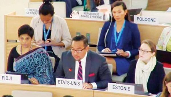 Ông Keith Harper, Đại sứ Mỹ tại Liên Hợp Quốc (giữa) nêu quan ngại về tình hình chính trị Campuchia tại Hội đồng Nhân quyền Liên Hợp Quốc ở Geneva, Thụy Sĩ. Ảnh: UN