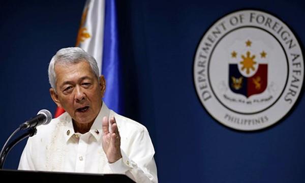 Ngoại trưởng Philipines bảo vệ quan điểm của nước này tại một trung tâm nghiên cứu ở Washington, Mỹ. Ảnh: Reuters
