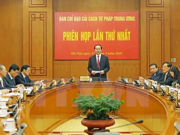 Chủ tịch nước Trần Đại Quang, Trưởng Ban Chỉ đạo cải cách Tư pháp Trung ương chủ trì và phát biểu khai mạc Phiên họp lần thứ nhất của Ban Chỉ đạo cải cách Tư pháp Trung ương. (Ảnh: Nhan Sáng/TTXVN)