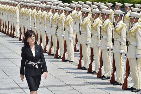 Bộ trưởng Quốc phòng Nhật Bản gửi lời nhắn kiên quyết đến Trung Quốc. Ảnh:AFP