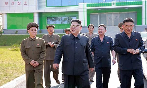 Nhà lãnh đạo Triều Tiên Kim Jong un trực tiếp chỉ đạo cuộc thử nghiệm mới. Ảnh:AFP