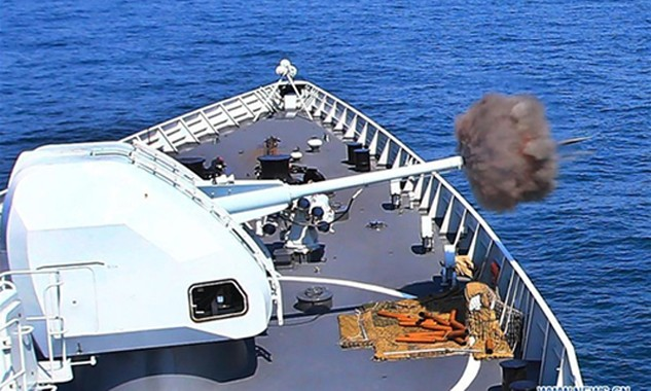 Tàu Trung Quốc tham gia tập trận chiếm đảo. Ảnh:News.cn
