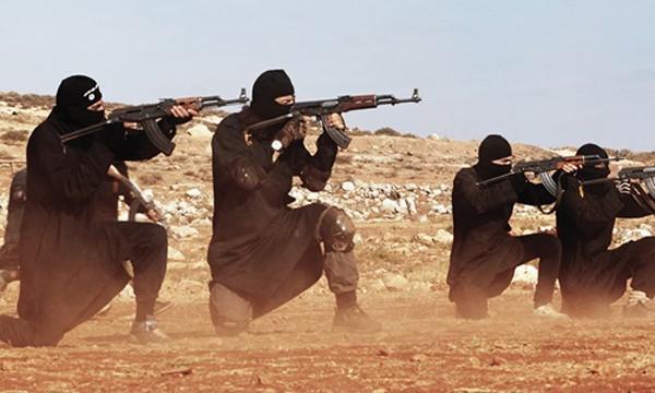 Nhà nước Hồi giáo bị cáo buộc nhiều lần sử dụng vũ khí hóa học trong các cuộc giao tranh ở Iraq và Syria. Ảnh minh họa: Zuma Wire