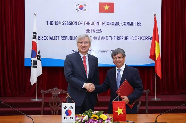 Tại Kỳ họp lần thứ 15 Ủy ban Liên Chính phủ, Việt Nam và Hàn Quốc đã trao đổi các giải pháp thúc đẩy hợp tác trên nhiều lĩnh vực. Ảnh: Đức Trung