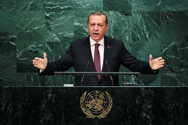 Tổng thống Thổ Nhĩ Kỳ Tayyip Erdogan phát biểu tại Đại Hội đồng Liên Hợp Quốc ở New York hôm 20/9. Ảnh: Reuters