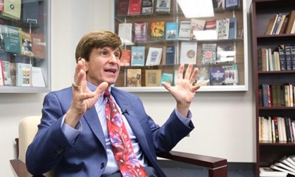 Giáo sư, nhà sử học Allan Lichtman. Ảnh: Washington Post