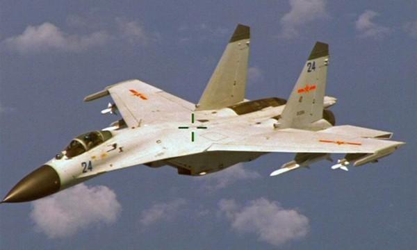 Tiêm kích J-11 Trung Quốc. Ảnh: Reuters