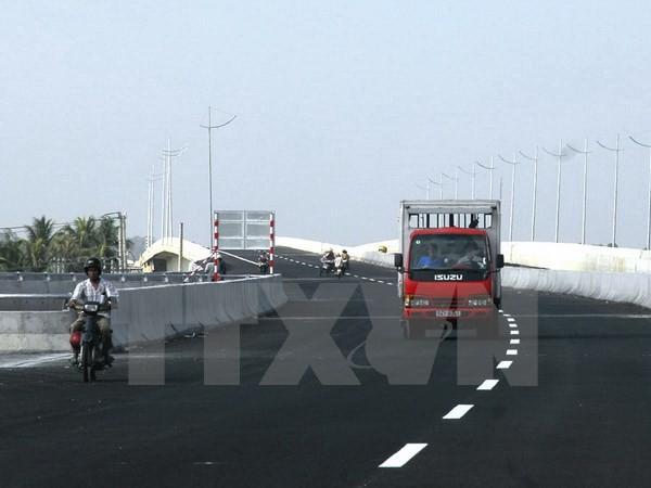Một đoạn trên tuyến đường cao tốc Thành phố Hồ Chí Minh-Trung Lương đã hoàn thành. (Ảnh: Hoàng Hải/TTXVN)