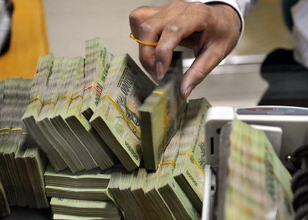 Ngân hàng rục rịch giảm lãi suất tiền gửi để cơ cấu lại nguồn vốn huy động. Ảnh:HH.