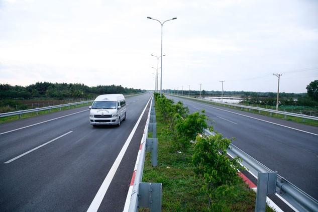 Các tuyến đường vành đai, cao tốc sẽ được ưu tiên đầu tư nhằm tăng kết nối giao thông đường bộ Vùng kinh tế trọng điểm phía Nam. Ảnh: Lê Tiên