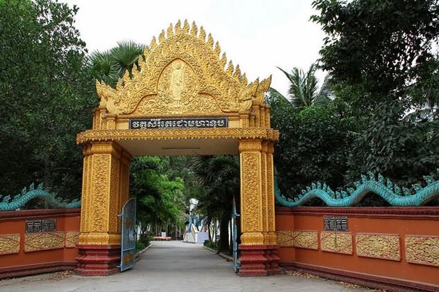 Chùa Dơi - nơi chính quyền Sóc Trăng để doanh nghiệp mượn hơn 8000 m2 đất sai quy định. Ảnh: Tiến Quang