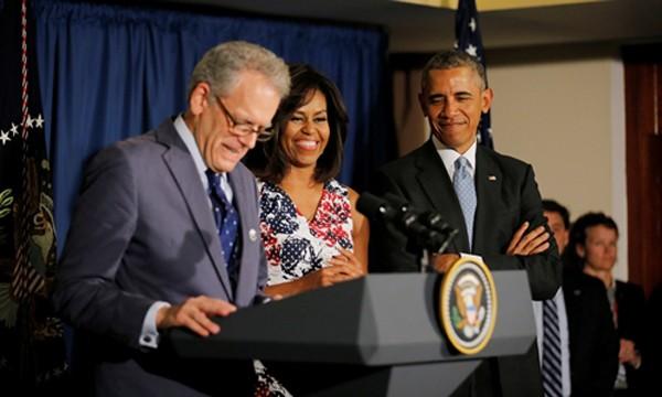 Vợ chồng Tổng thống Mỹ Barack Obama và ông Jeffrey DeLaurentis tại thủ đô Havana, Cuba, hồi tháng 3. Ảnh: Reuters.