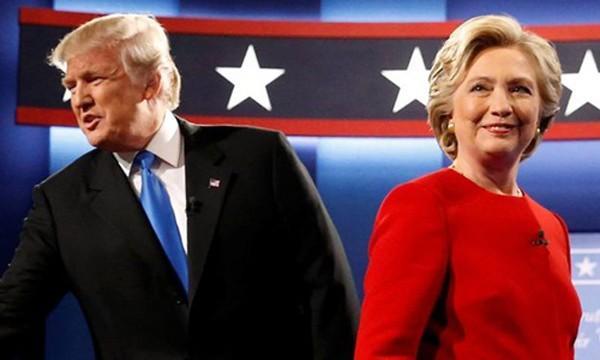 Ứng viên đảng Dân chủ Hillary Clinton và ứng viên đảng Cộng hòa Donald Trump tại cuộc tranh luận đầu tiên ngày 26/9. Ảnh:Reuters