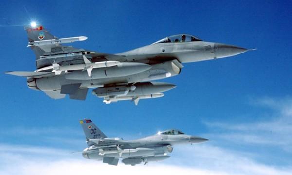 Nhiều nghị sĩ Mỹ hối thúc chính quyền có biện pháp quân sự cứng rắn hơn ở Syria. Ảnh: USAF