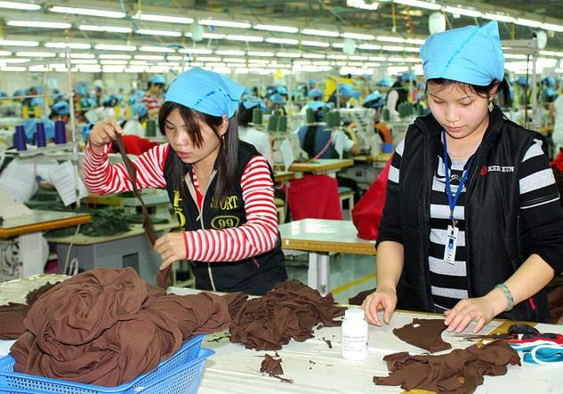 Mức lương ngành dệt may Việt Nam đã vượt qua ngưỡng trung bình. Ảnh: Lê Tiên