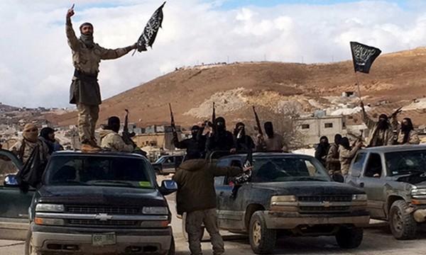 Các tay súng thuộc nhóm khủng bố Al-Nusra. Ảnh: Reuters.