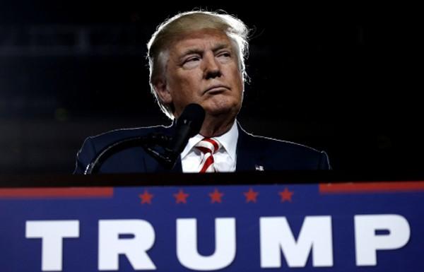 Ứng viên tổng thống đảng Cộng hoà Donald Trump tại sự kiện ở Prescott Valley. Ảnh: Reuters
