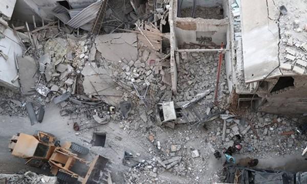 Quanh cảnh khu vực bị máy bay không người lái Mỹ không kích ở Syria. Ảnh: AFP.