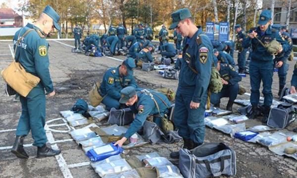 Binh sĩ Nga trong một cuộc diễn tập ứng phó thảm họa. Ảnh: RT