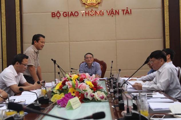Cuộc họp của Hội đồng Quản lý Quỹ Bảo trì đường bộ tổ chức ngày 6/10 tại Bộ Giao thông vận tải. Ảnh: Tuấn Dũng