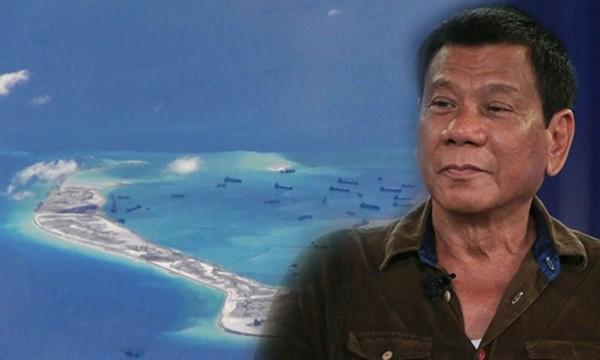 Tổng thống Duterte nói sẽ không đề cập vấn đề bãi cạn Scarborough khi thăm Trung Quốc. Ảnh: ABS-CBN.