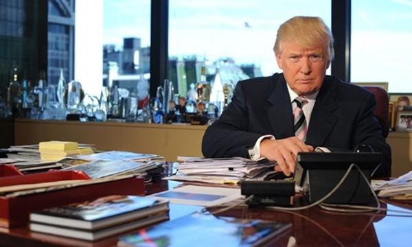 Ông Donald Trump tại văn phòng làm việc thuộc tòa Tháp Trump, New York. Ảnh:Washington Post