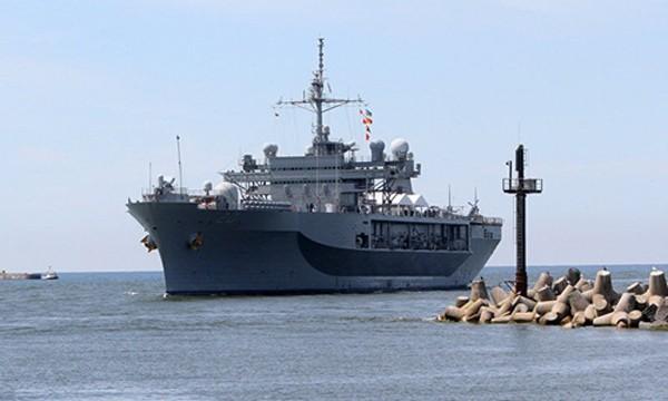 Soái hạm hạm đội 6 của Mỹ, tàu USS Mount Whitney. Ảnh: Sputnik