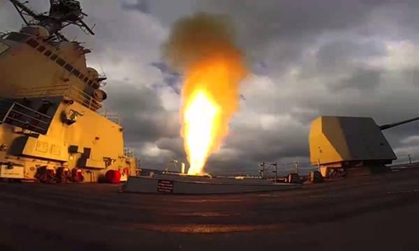 Tàu USS Mason phóng tên lửa SM-2 trong cuộc tập trận hồi tháng 3. Ảnh: US Navy.