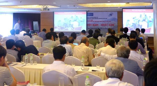 Hội thảo tổng kết Dự án Phát triển công nghệ đánh giá rủi ro trượt đất dọc theo các tuyến huyết mạch giao thông ở Việt Nam. Ảnh: Trung Hiếu