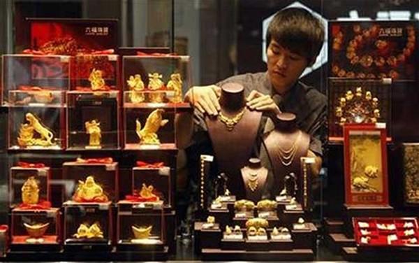 Giá vàng chốt tuần ở 1.250 USD mỗi ounce. Ảnh: Telegraph.