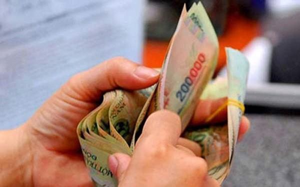 Cơ quan thẩm tra của Quốc hội đồng tình với đề xuất của Chính phủ, tăng lương cơ sở lên mức 1,3 triệu đồng một tháng.