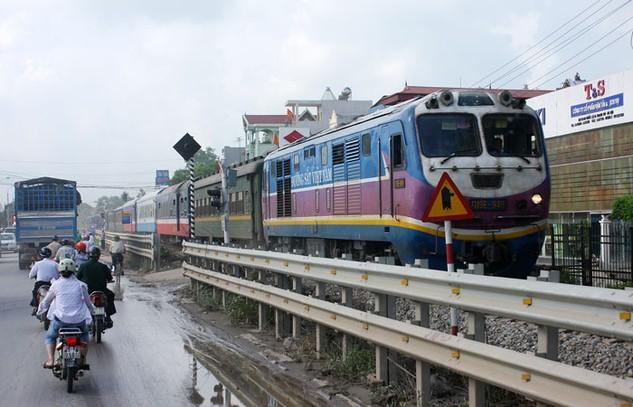 Hạ tầng đường sắt Việt Nam ngày càng xuống cấp. Ảnh: Nhã Chi