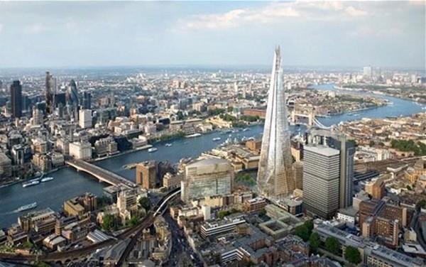 Lượng giao dịch bất động sản tại Anh đang giảm gần 30% tính theo đồng nội tệ. Ảnh: Telegraph