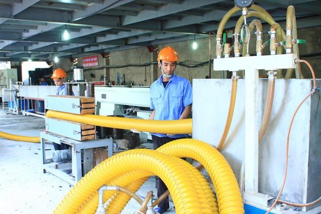 Doanh nghiệp nhỏ và vừa sử dụng tới hơn 50% lực lượng lao động và đóng góp hơn 40% GDP. Ảnh: Tiên Giang