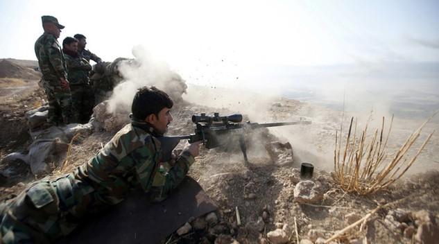 Các tay súng người Kurd tham gia chiến dịch giải phóng Mosul (Ảnh: Reuters)