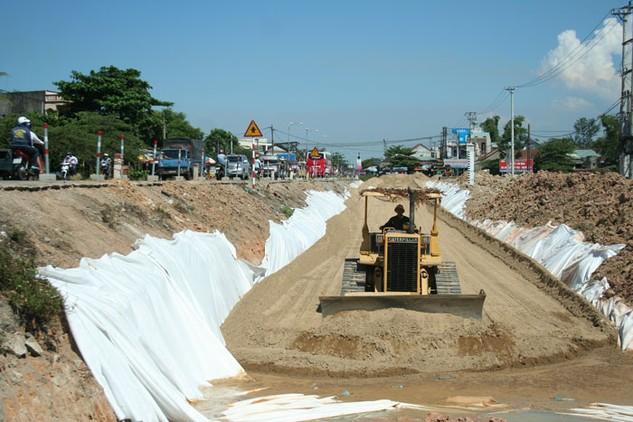"""Nhiều dự án ODA """"lụt"""" tiến độ vì vướng giải phóng mặt bằng. Ảnh: Hữu Trung"""
