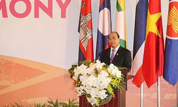 Thủ tướng Nguyễn Xuân Phúc phát biểu khai mạc hội nghị. Ảnh: Thành Trung