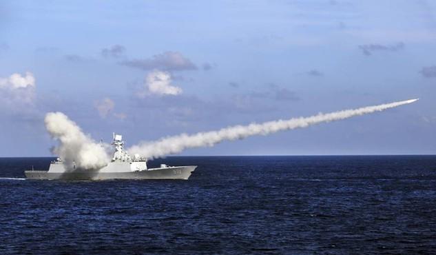 Tàu Trung Quốc trong một cuộc tập trận gần Hoàng Sa hồi tháng 7/2016. (Ảnh minh họa: Reuters)