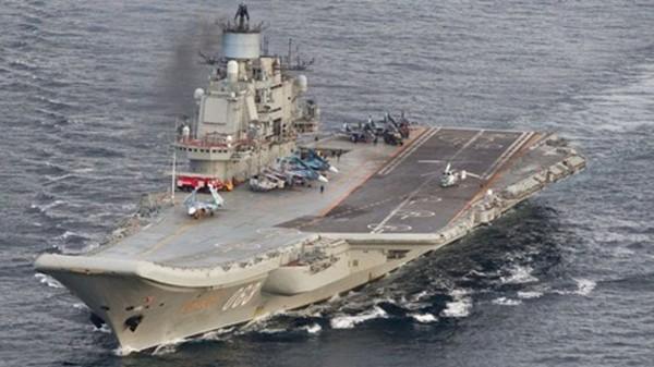 Tàu sân bay Đô đốc Kuznetsov ở vùng biển quốc tế ngoài khơi Na Uy hôm 17/10. Ảnh: Reuters
