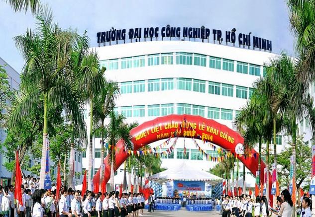 Theo Bên mời thầu, Nhà trường đã chuẩn bị đủ HSYC nhưng từ ngày 22 - 26/10 không thấy Công ty CP In tài chính đến nhận hồ sơ. Ảnh: NC st