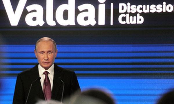 Tổng thống Putin phát biểu tại sự kiện ở Sochi hôm nay. Ảnh: Reuters