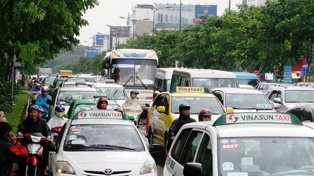 Đề xuất xây hầm chui cải thiện ùn tắc giao thông tại cửa ngõ Sân bay Tân Sơn Nhất