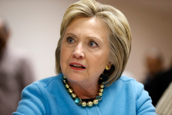 Chênh lệch số người ủng hộ bà Clinton với ông Trump đang giảm rõ rệt. Ảnh: AP.