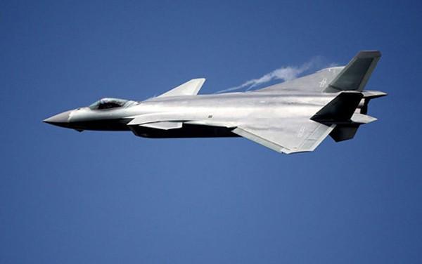 Máy bay J-20 sẽ là mối đe dọa với Không quân Mỹ. Ảnh:Reuters.