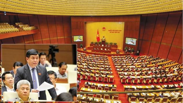 Bộ trưởng Bộ KH&ĐT Nguyễn Chí Dũng trình bày tại Quốc hội ngày 3/11. Ảnh: Việt Dũng